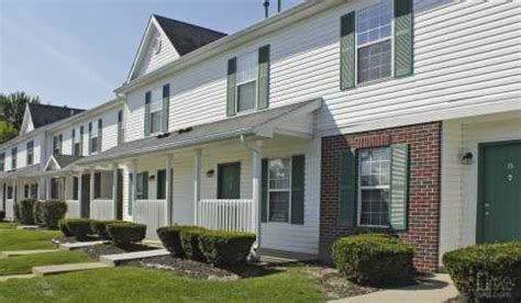one bedroom apartments in saginaw mi anchor bay townhomes hermansau drive saginaw mi apartments for rent rent 174