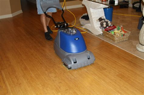 Wood Floor Cleaner Machine Cleaning Hardwood Floors To Get Shiny And Clean Floor Homesfeed