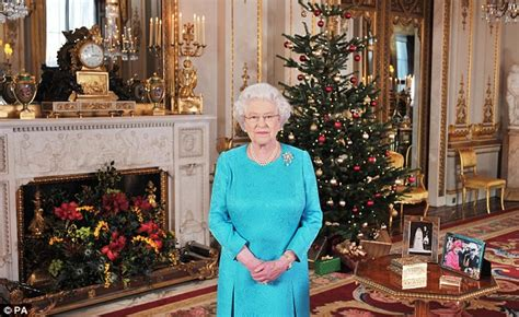 secrets behind the her majesty the queen s christmas