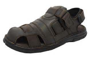 mens closed toe sandals mens roamers leather closed toe velcro sandals summer