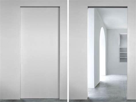 porta l invisibile l invisibile porte semplice e comfort in una casa di