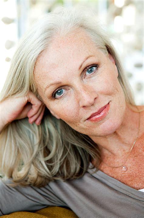 imagenes mujeres años 60 maquillaje despu 233 s de los 60 a 241 os mayores de hoy