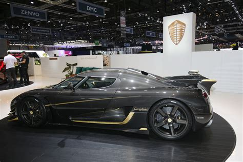 koenigsegg agera rs koenigsegg agera rs gryphon with real gold and 1360 hp