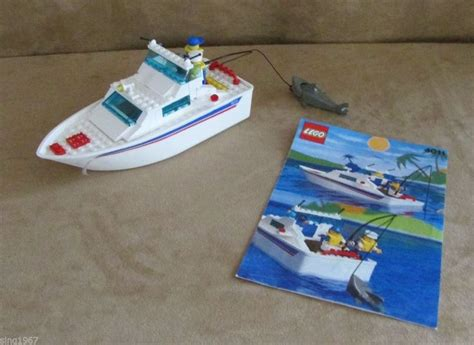 how to build a lego boat that floats 4011 lego boats cabin cruiser complete vintage city