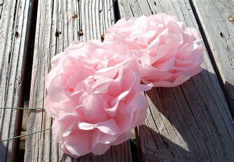 come realizzare dei fiori di carta come realizzare fiori di carta fiori di carta