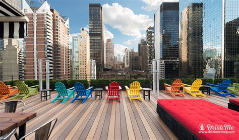 top roof bars in nyc the 8 best rooftop bars in nyc drink me