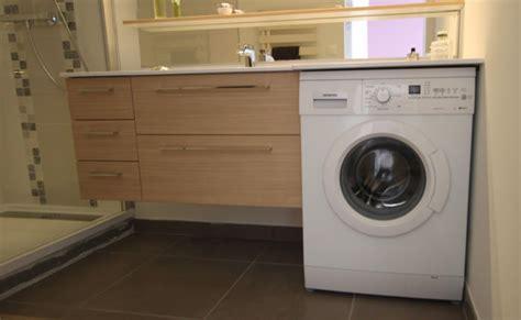 Meuble de salle de bain sur mesure avec machine à laver