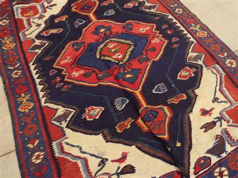 rugs with birds woven area rug with bird design
