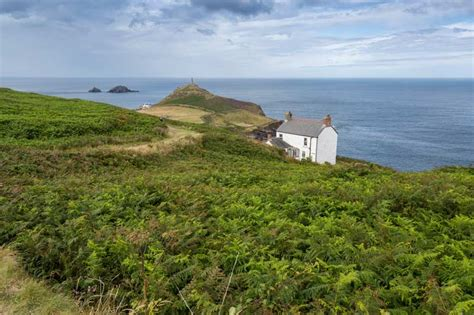 buy house in cornwall five popular types of holiday homes in cornwall to buy