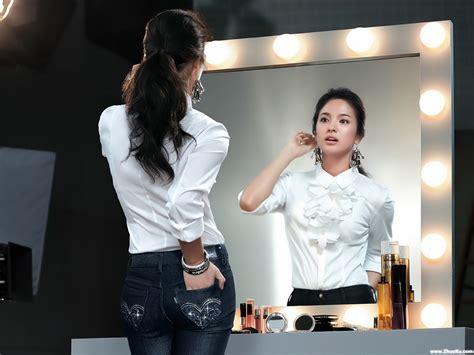Target Mirrors 美女宽屏桌面壁纸 天道酬勤的日志 网易博客