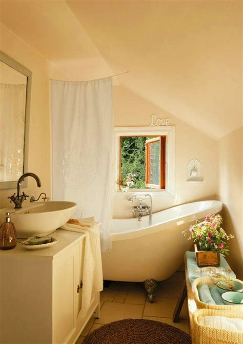 cozy bathroom ideas cozy cottage bathroom dulce domum pinterest