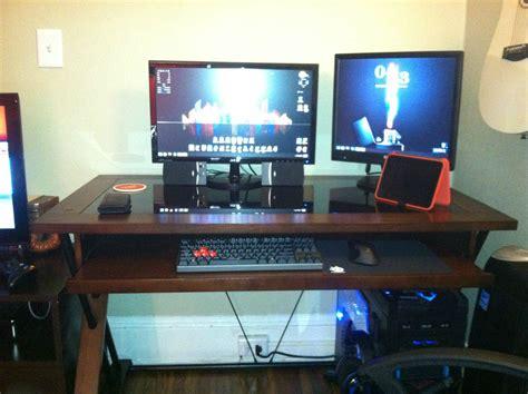 cool computer desk setups cool computer setups and gaming setups