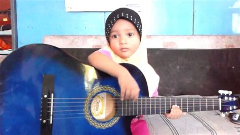 Cara Bermain Gitar Najwa Latif | najwa latif syira main gitar youtube