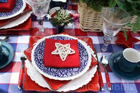 festive red white and blue tablescape ideas for a