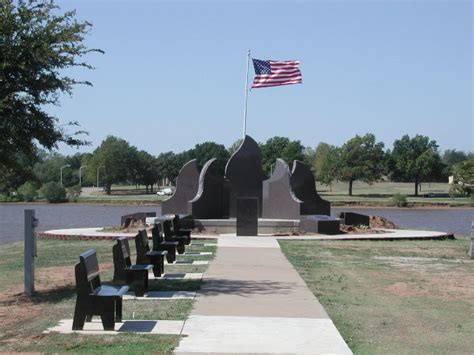 Park Stillwater Ok by Stillwater Ok Veterans Memorial At Boomer Lake Park