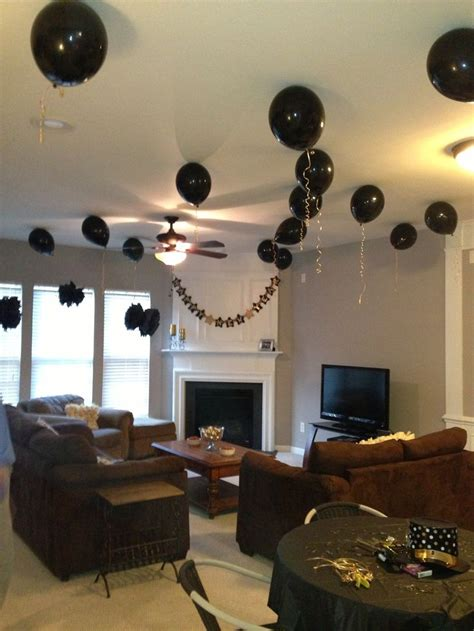 house party decorations ballons  banner  corner