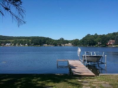 milford lake boat rentals cottage and boat house milford 3 bedroom 2 full bathroom