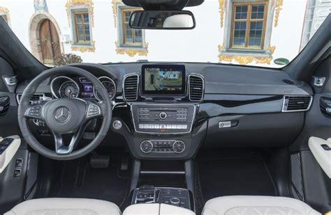 mercedes dashboard 2017 2017 mercedes gls vs 2016 mercedes gl class