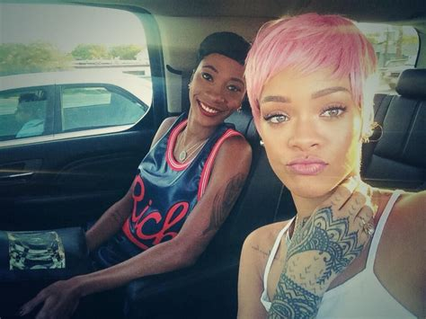 new look küche und bad bad rihanna debuts new look picture rihanna
