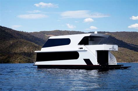 luxury house boat luxury houseboats google search houseboats pinterest