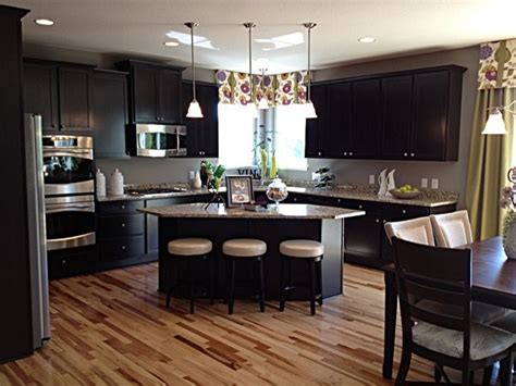 dr horton kitchen cabinets white doctor us 1000 images about dr horton homes america s builder on
