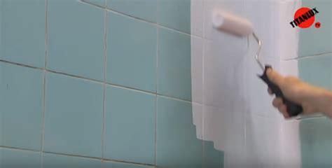 como pintar los azulejos de bano isolana