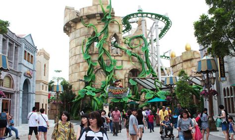 uss singapore new year 2016 we ride the world s puss in boots family coaster at