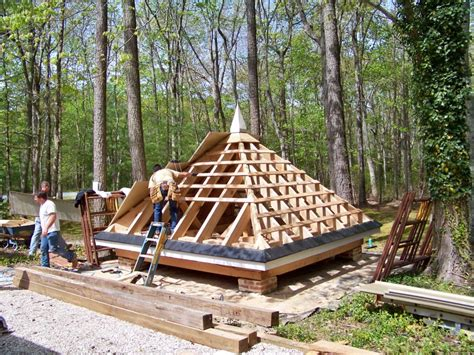 How To Frame A Pyramid Roof How To Build A Pyramid Roof Search Egipt