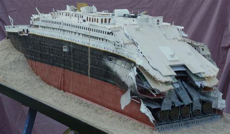 model boat sinking titanic model sinking www imgkid the image kid has it