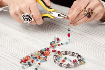 classes 2 dollar bead store