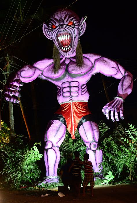 giant effigies  cash prizes  goa celebrates  day