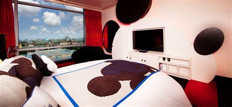 mickey mouse penthouse suite at disneyland thechive mickey mouse penthouse signature suite the disneyland