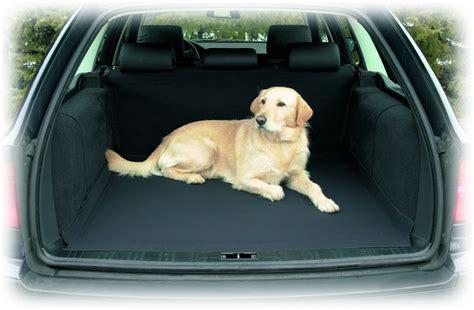si鑒e auto pour chien couverture de protection coffre chien trixie kalaoshop