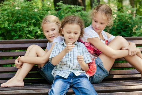 la nia de los la importancia de la socializaci 243 n en los ni 241 os psicolog 237 a para todos superdotados psicolog 237 a