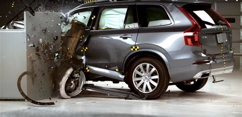 2016 volvo xc90 gets top safety rating from the iihs