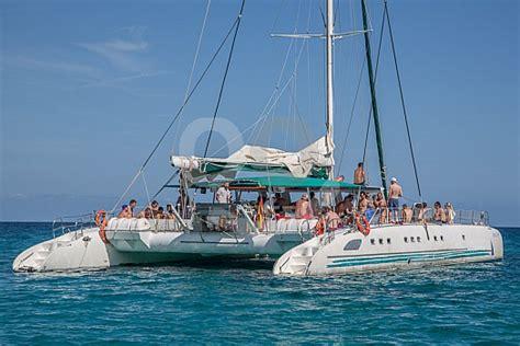 sunset catamaran cruise ibiza mallorca catamaran trip cala ratjada cruising sunbonoo