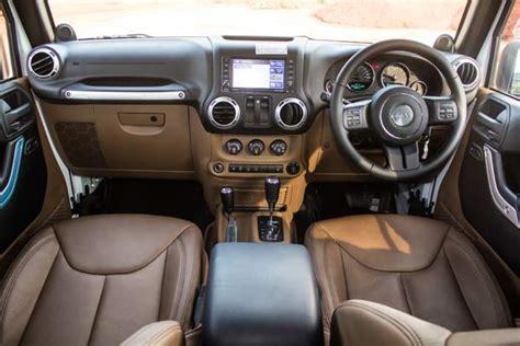 Mobil Jeep Road Murah rental sewa mobil rubicon jogja murah jeep wrangler offroad