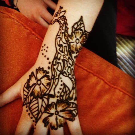henna tattoo giraffe giraffe henna art pinterest