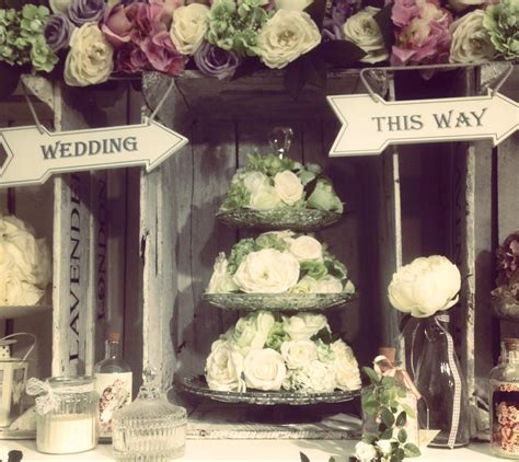 A Wedding by 3 Great Reasons To Choose A Vintage Themed Wedding