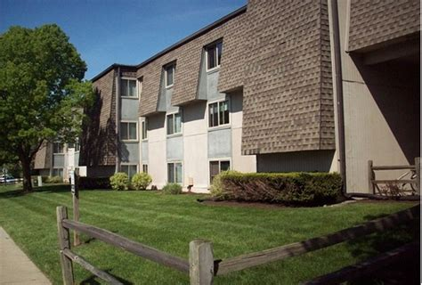 one bedroom apartments in oxford ohio fox and hounds apartments oxford oh apartment finder