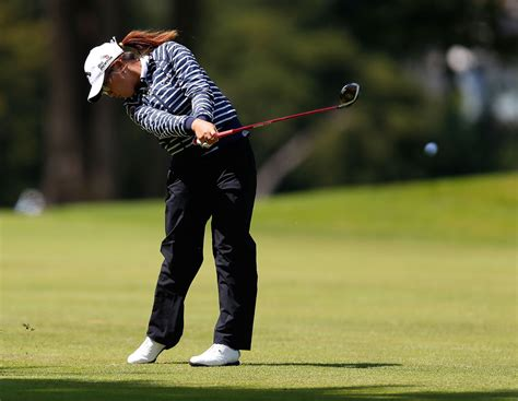 swing skirts lpga lydia ko in swinging skirts lpga classic round three