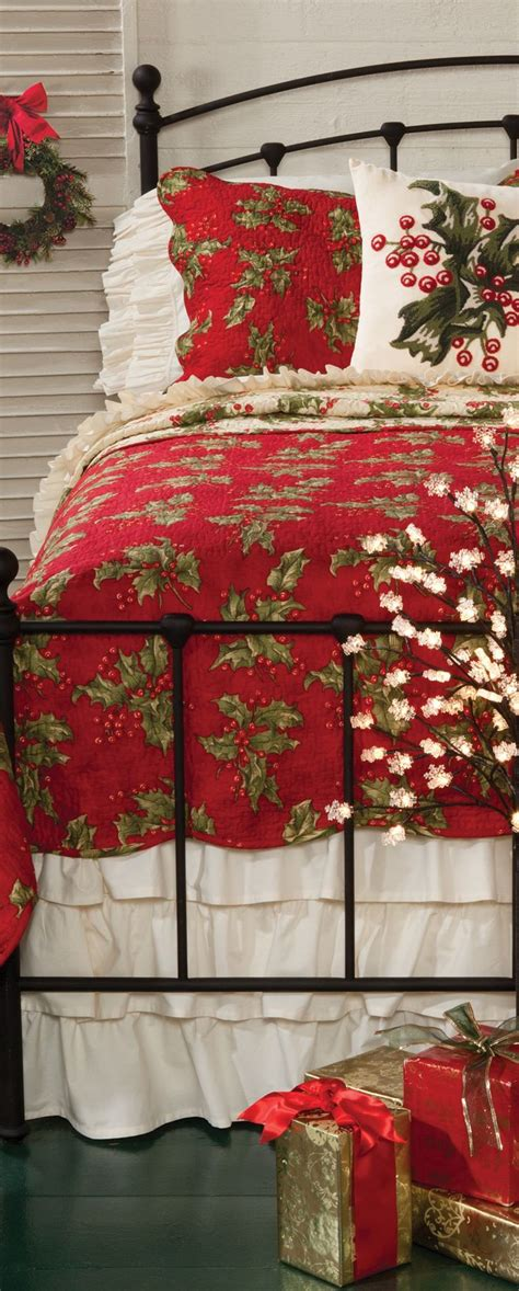 christmas bedspreads and comforters 25 best ideas about christmas bedroom on pinterest
