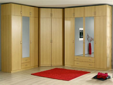 mirror wardrobes  elegant bedroom designs