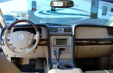 2005 Lincoln Navigator Interior by 2005 Lincoln Navigator Pictures Cargurus