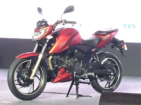 apache new model 2016 tvs apache rtr 200 4v launched at inr 88 990