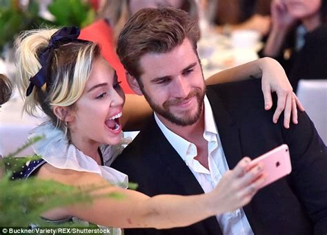 miley cyrus shares selfies from her at home pering miley cyrus and liam hemsworth to start family in 2017 as