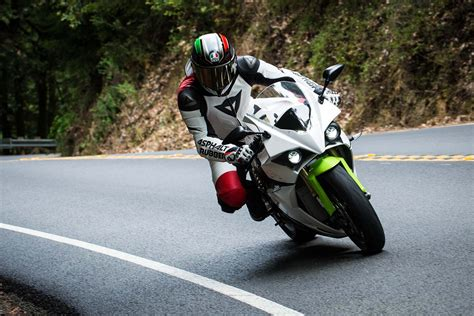 leather racing review dainese made to measure leather racing suit