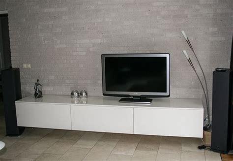 besta zwevend zwevend audio tv meubel gespoten