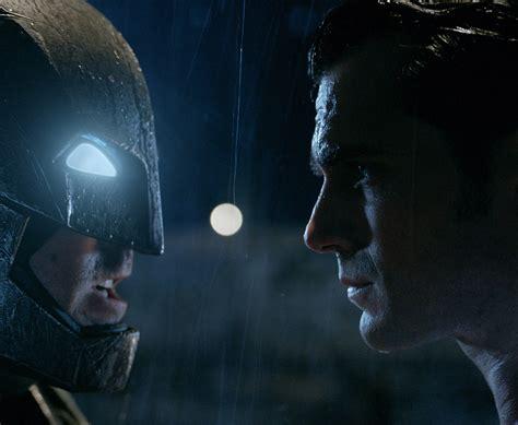 Superman Vs Batman new batman vs superman pics revealed batman and luthor has hair