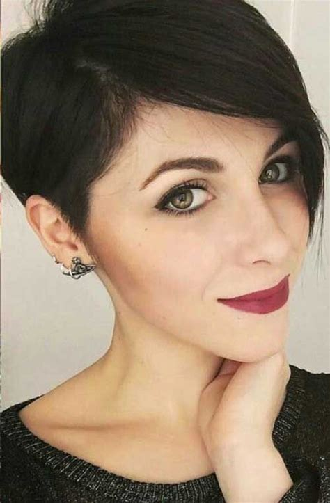 ways to style asymmetrical hair 25 trending asymmetrical pixie cuts ideas on pinterest